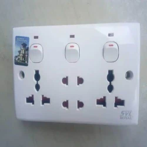13amps Socket With 4 Outlets 1